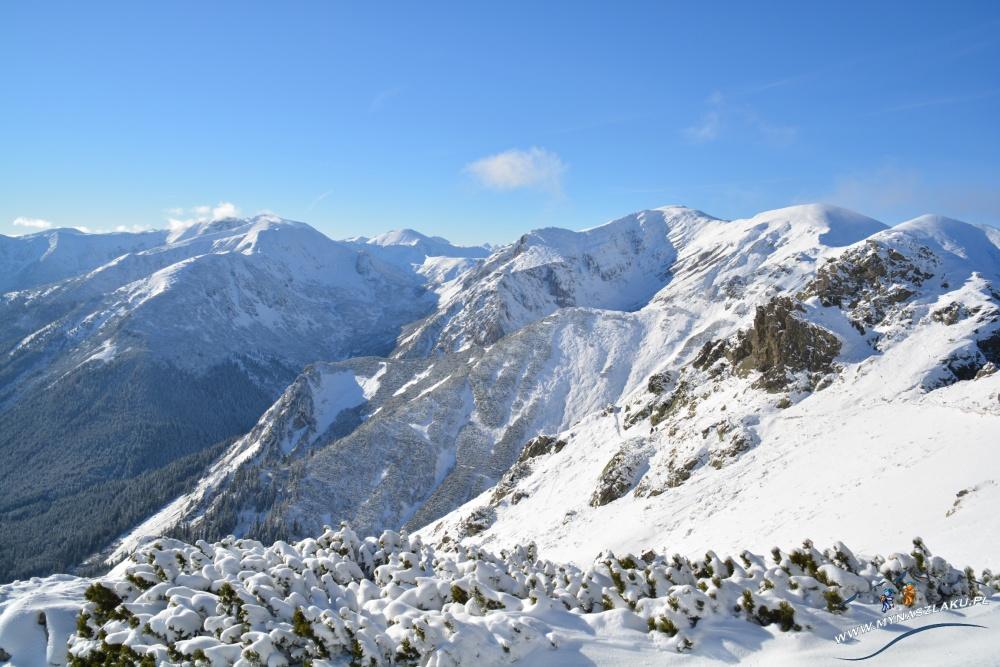 Ośnieżone góry z Kasprowym Wierchem