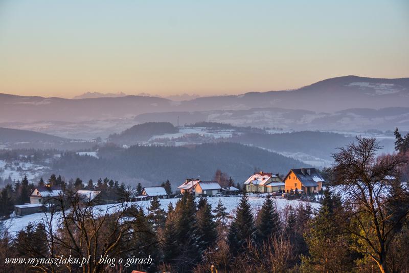 Pogórze Wiśnickie: Dalekie widoki z Machulca