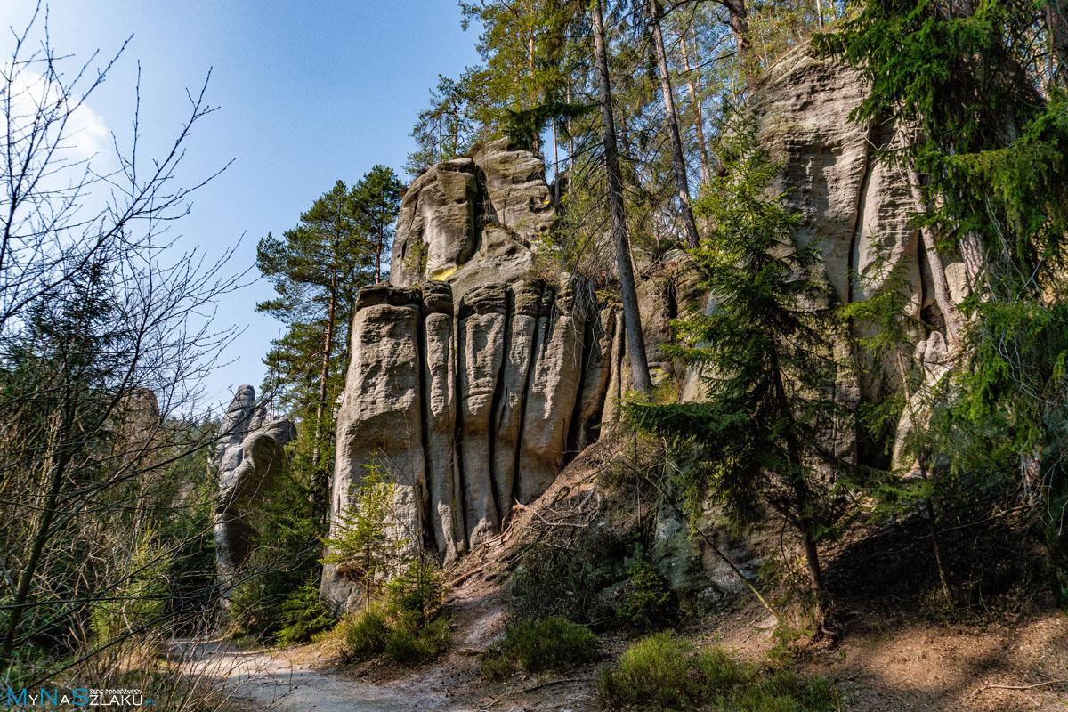 Miasto skalne w Adrspach w Czechach