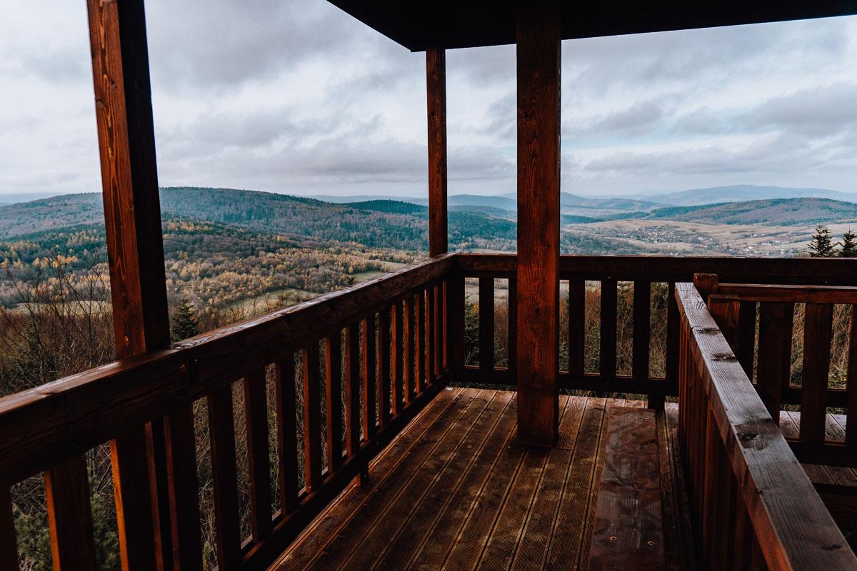 Widok z wieży widokowej na szczycie Ferdel