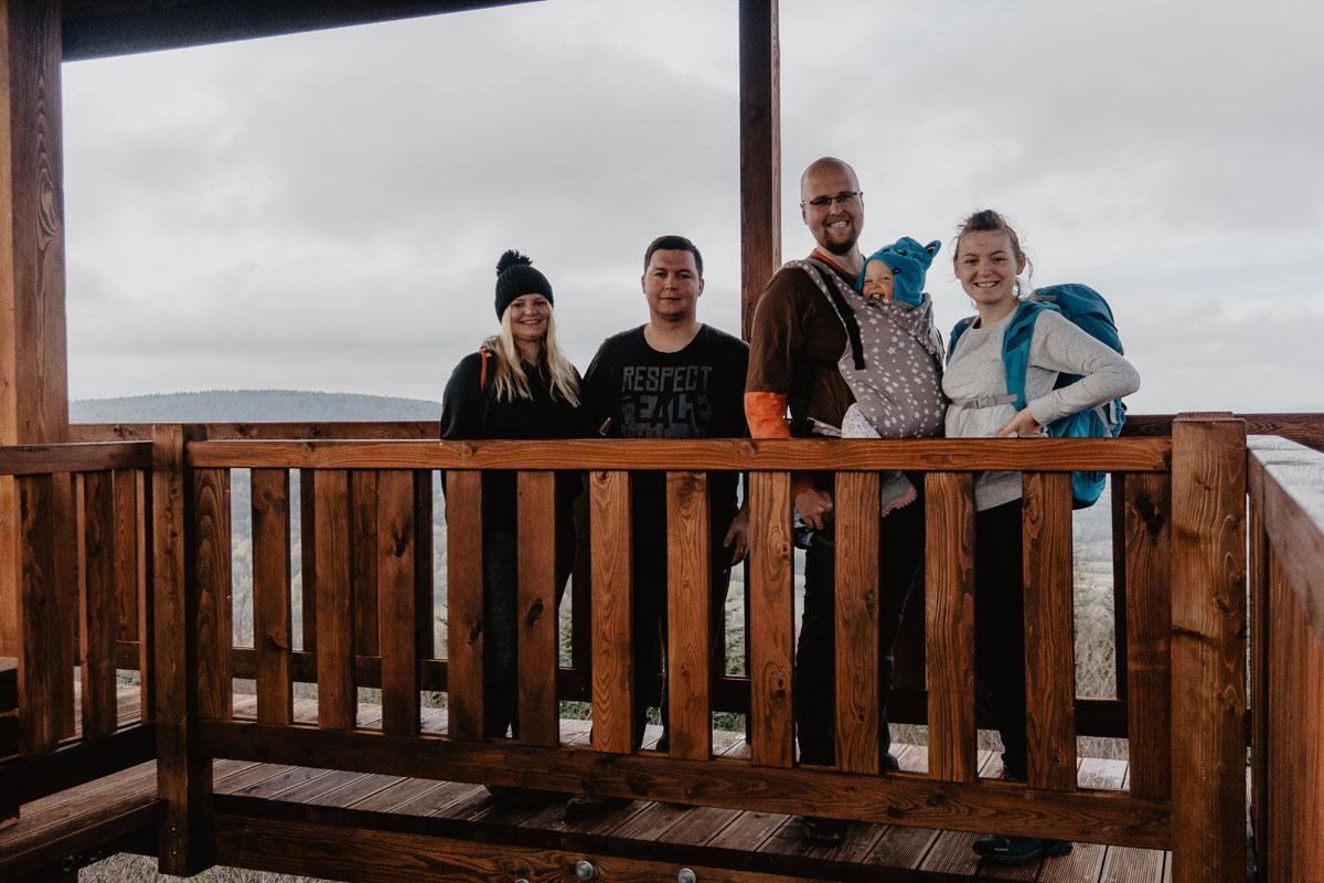 Z Justyną i Dominikiem na wieży widokowej na szczycie Ferdel.