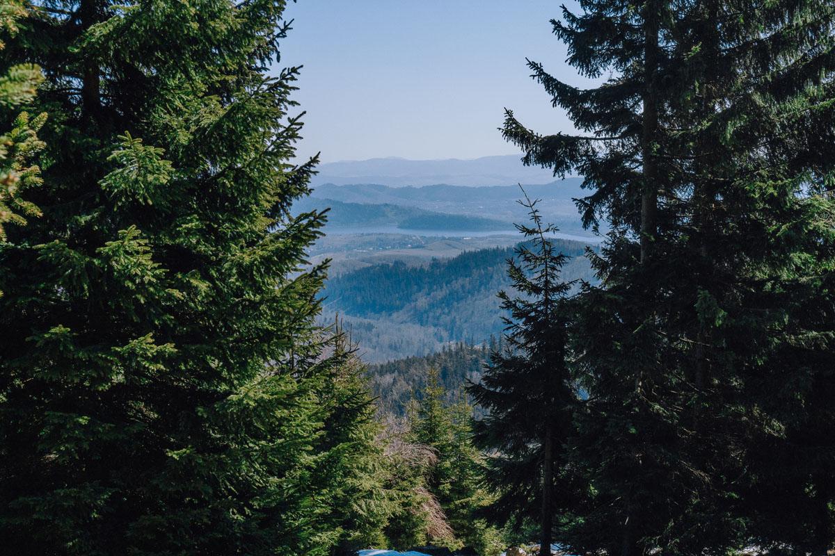 Widoki ze szlaku na Łysocinę
