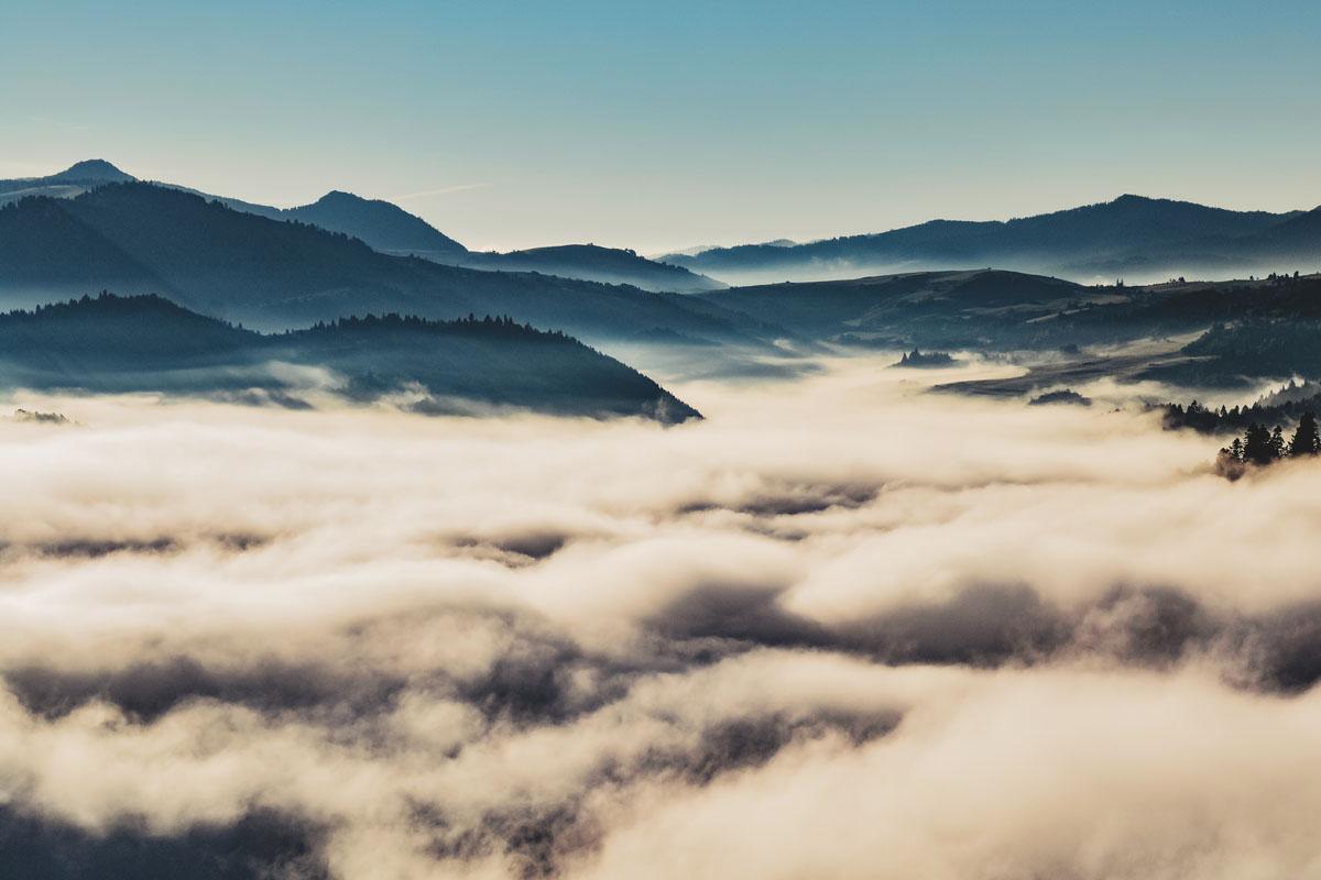 Poranne mgły w Pieninach