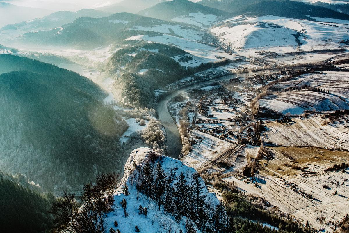Widok z Trzech Koron na Sromowce Niżne i Słowację