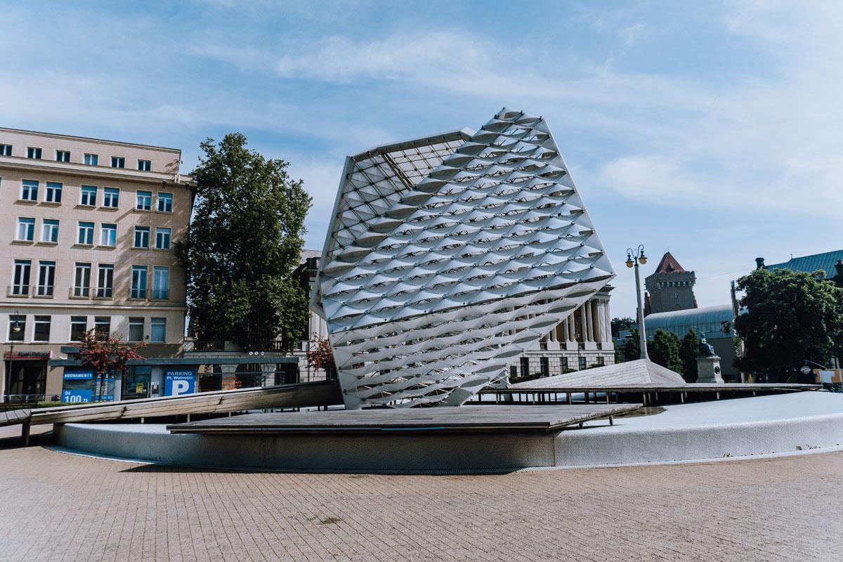 Plac i Fontanna Wolności