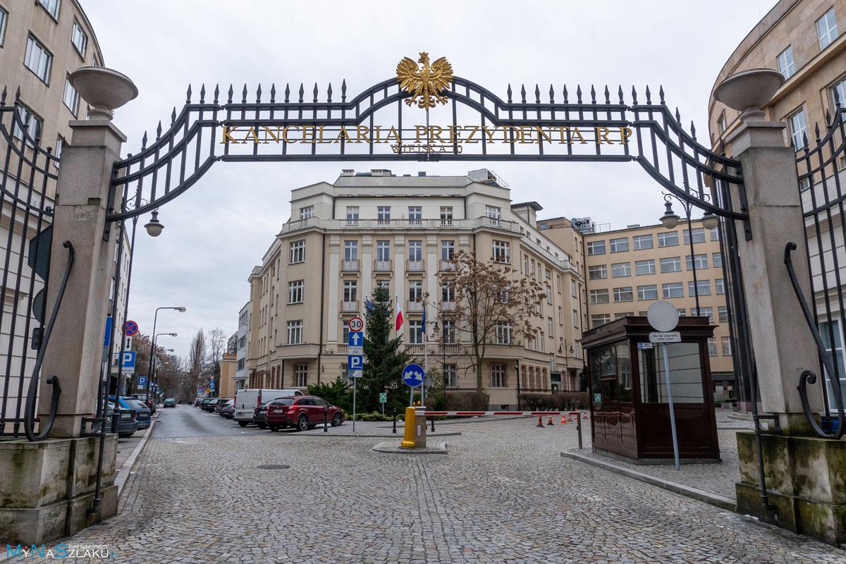 Weekend w Warszawie przy pałacu prezydenckim