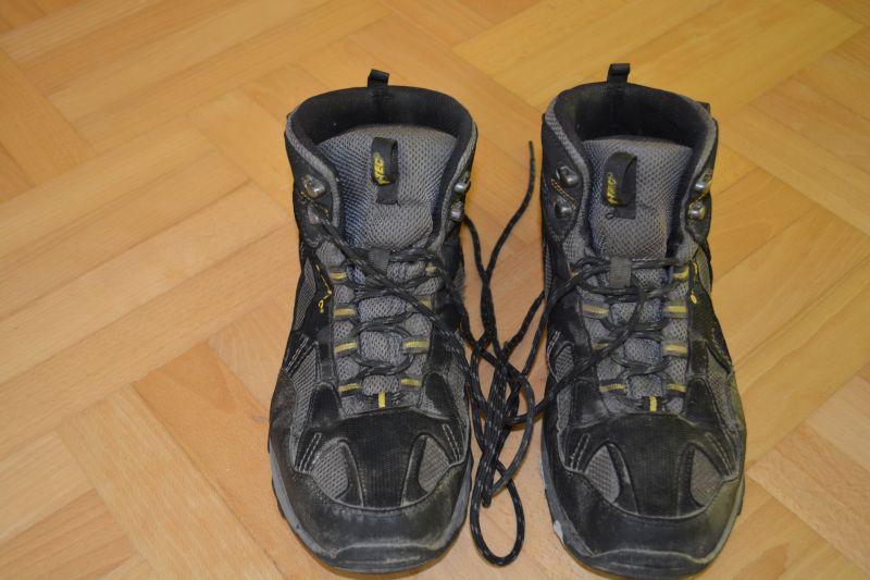 eb3372ca ... użytkowaniu moich pierwszych butów – zwykłych, najtańszych na rynku,  firmy Quechua przerzuciłem się na trochę droższe i wydawałoby się – lepsze  Hi-Teci.