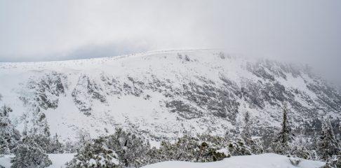Karkonosze: Z Karpacza do Domu Śląskiego z noclegiem pod Śnieżką
