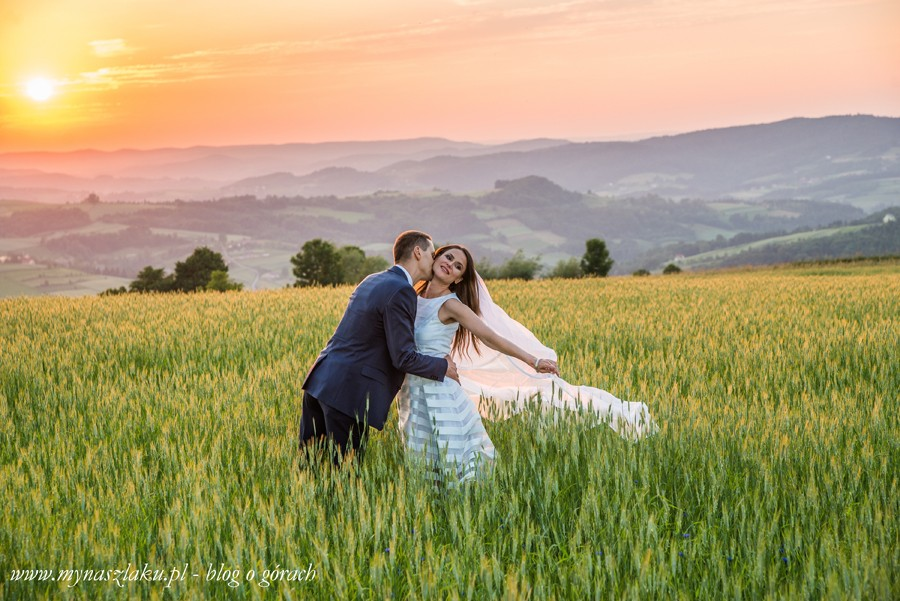 Pogórze Rożnowskie: Sesja ślubna w górach i zachód słońca na Berdychowie