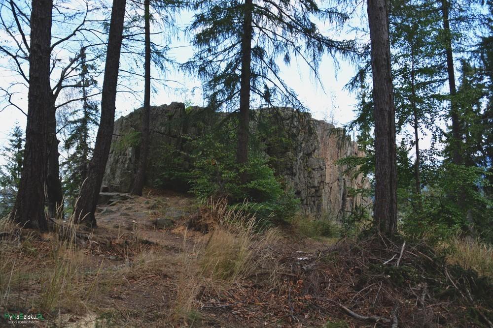 Formacja skalna Patelnia niedaleko Karpacza