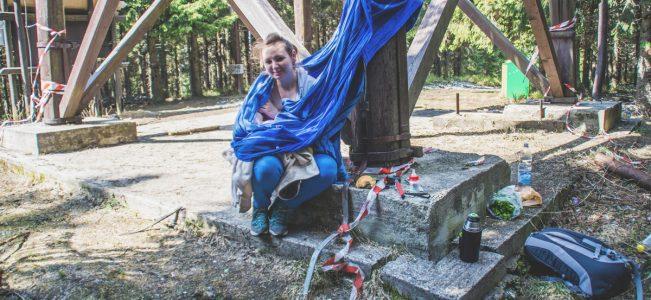 Dlaczego zabieramy dziecko w góry? | chustowanie, karmienie i przewijanie w górach