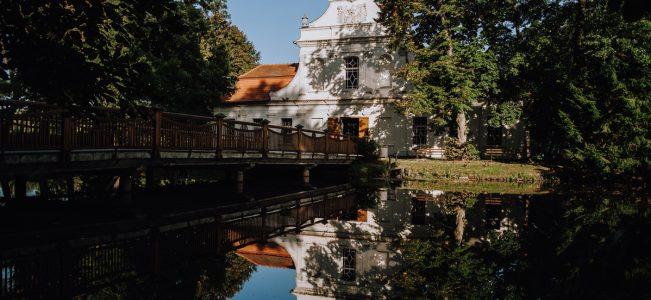 Roztocze: Kościół na wodzie św. Jana Nepomucena w Zwierzyńcu