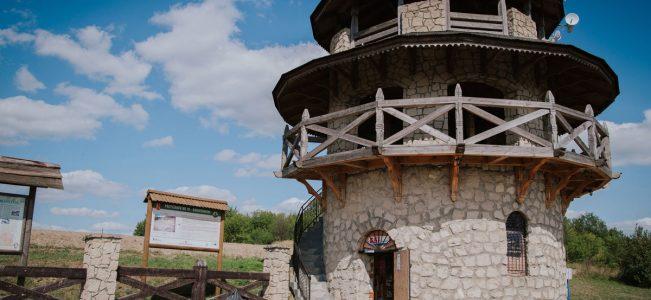 Roztocze: Baszta widokowa w Krasnobrodzie