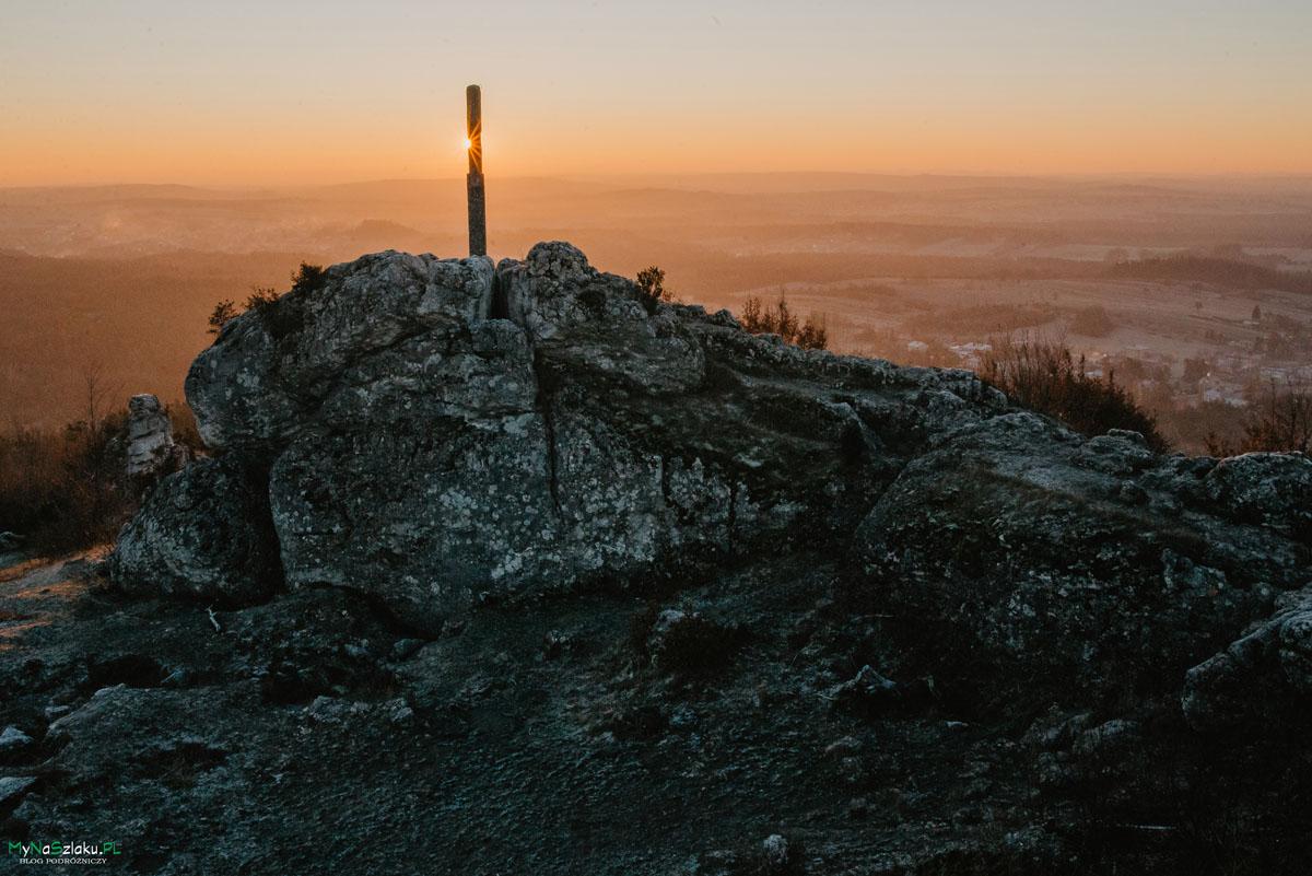 Góra Zborów o wschodzie słońca – magiczne miejsce na Jurze