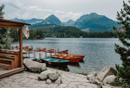 Szczyrbskie Jezioro w Tatrach Słowackich