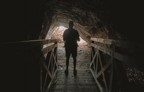 Jaskinia Piekło pod Skibami i Kamieniołom Stokówka