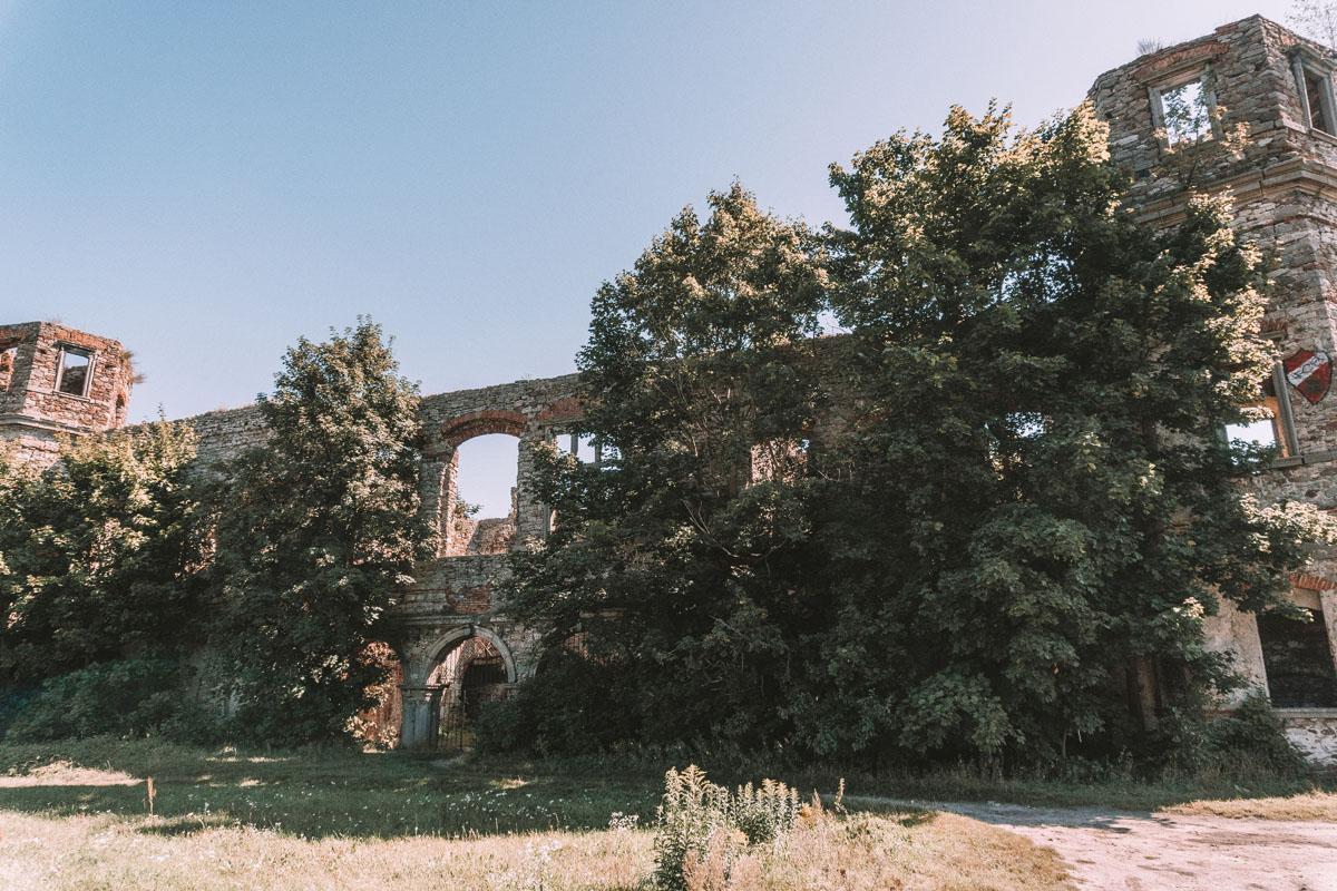 Pałac Tarłów w Podzamczu Piekoszowskim
