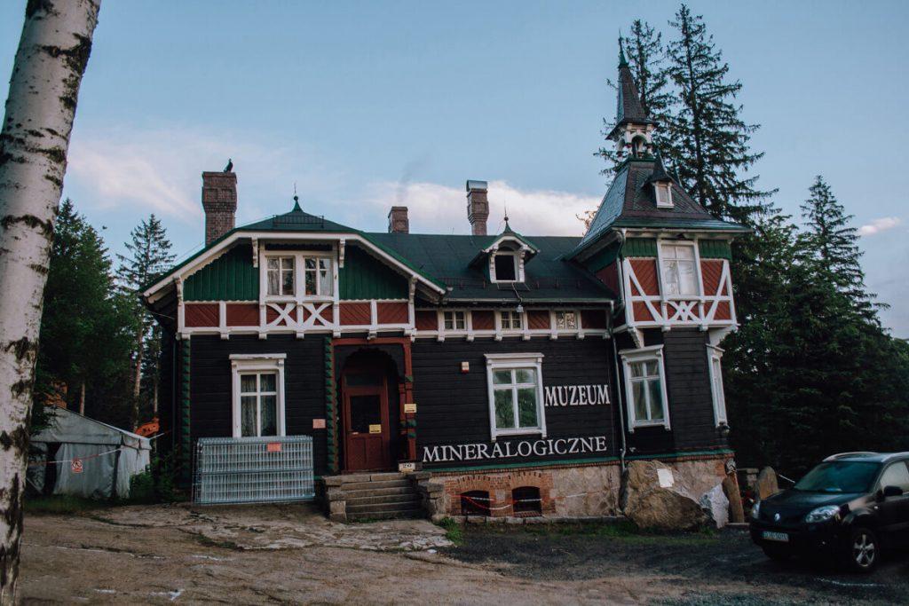 muzeum mineralow szklarska poreba
