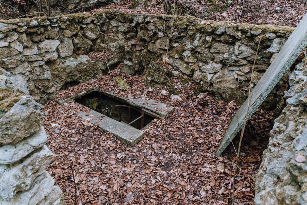 jaskinia ewy zaleczanski park krajobrazowy