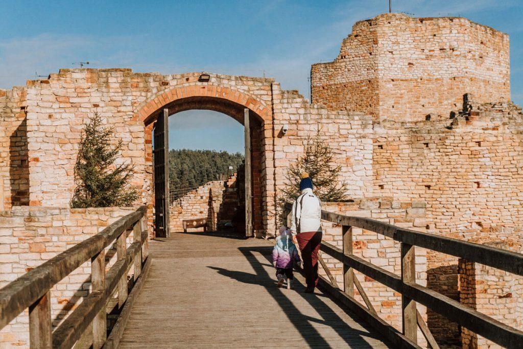 most zamek inowlodz