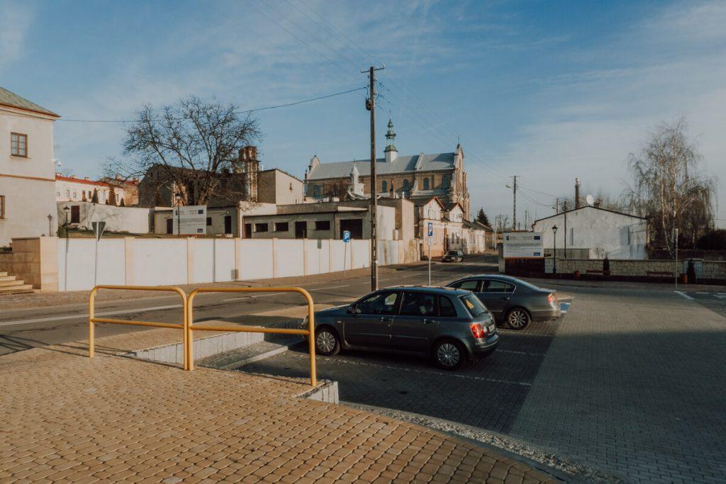opoczno parking pod zamkiem