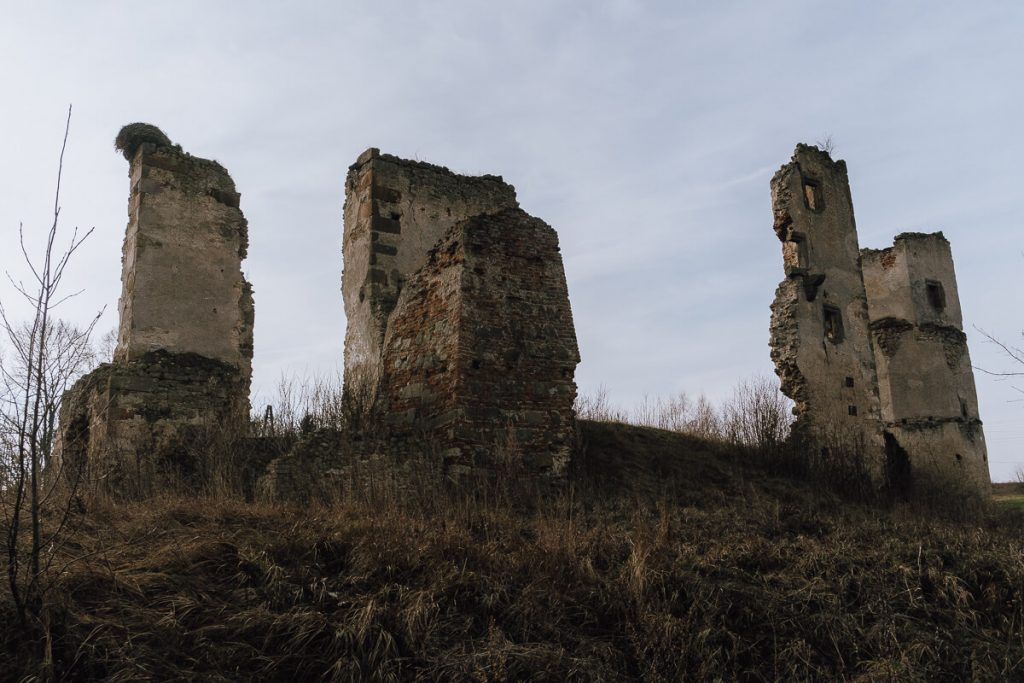 ruiny zamku majkowice