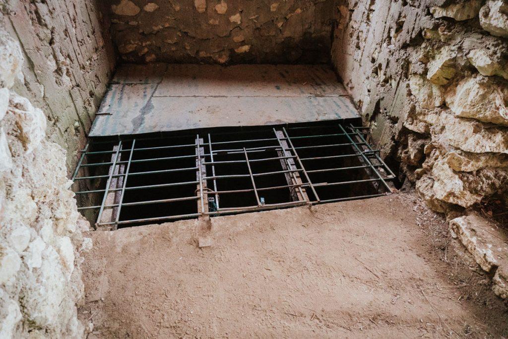 wejscie do jaskini rezerwat weze