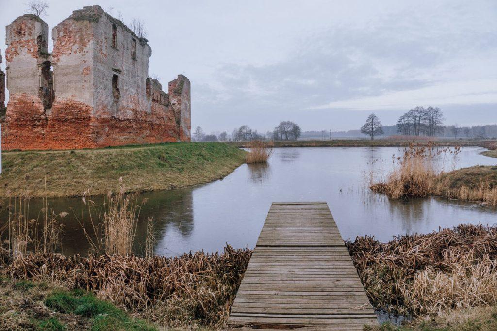 fosa z woda zamek