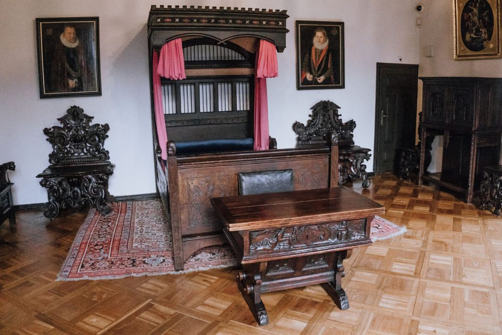 muzeum zamek oporow