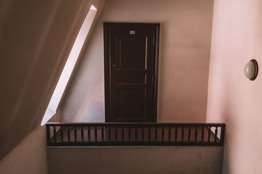 tajemnicze drzwi na zamku w mosznej