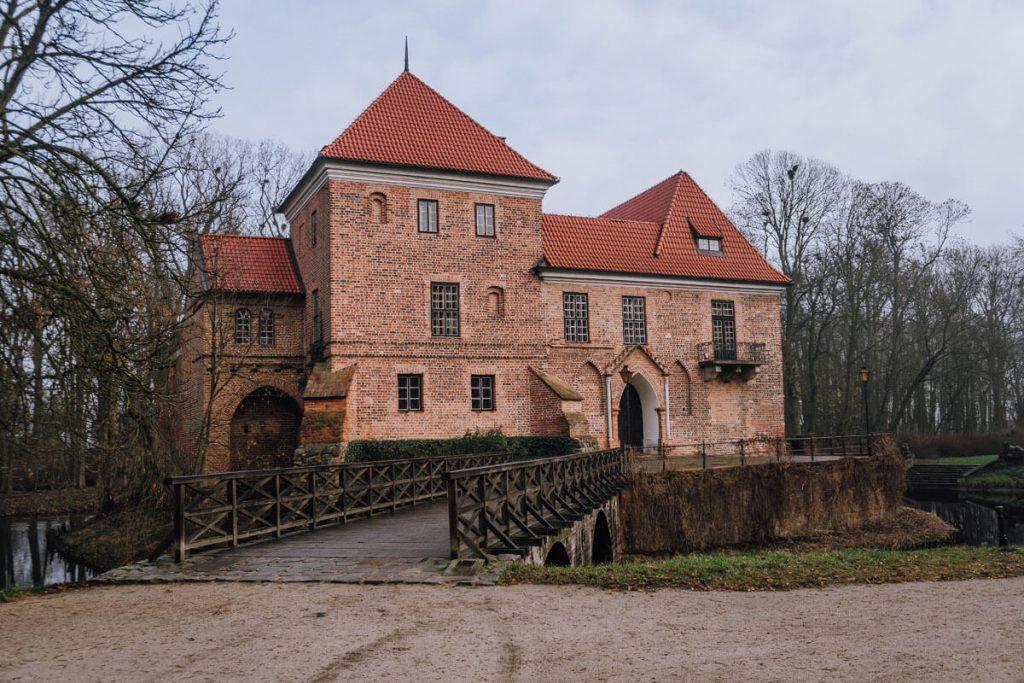 zamek oporowskich