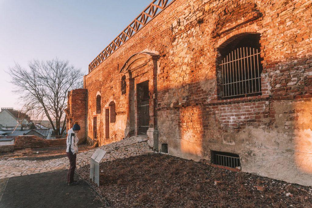 zwiedzanie zamku biskupow wroclawskich