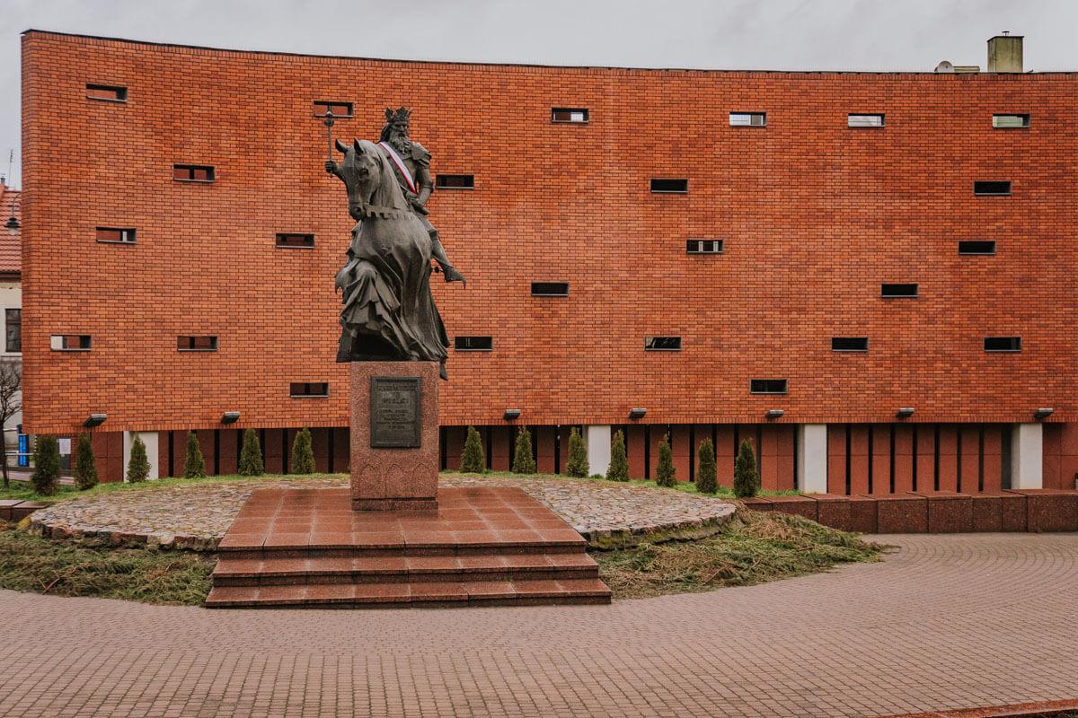 Pomnik Króla Kazimierza Wielkiego