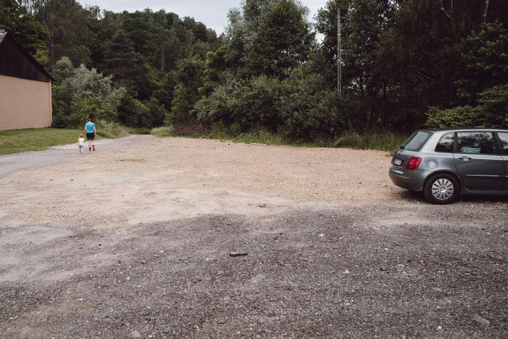 Dolina Brzoskwini - parking