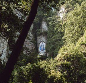 Dolina Mnikowska - otłarz Matki Boskiej Skalskiej