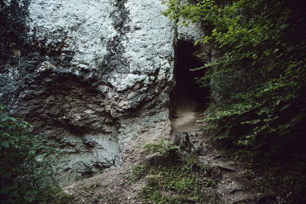 Jaskinia w Dolinie Będkowskiej