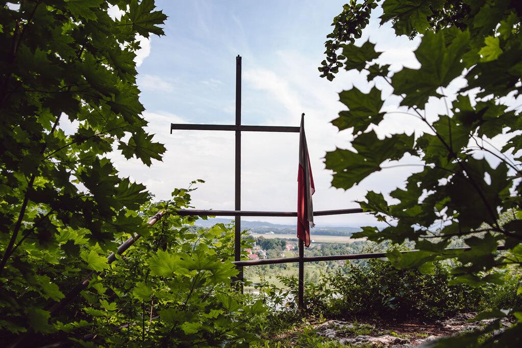 Krzyż - Skała Krzywy Sąd