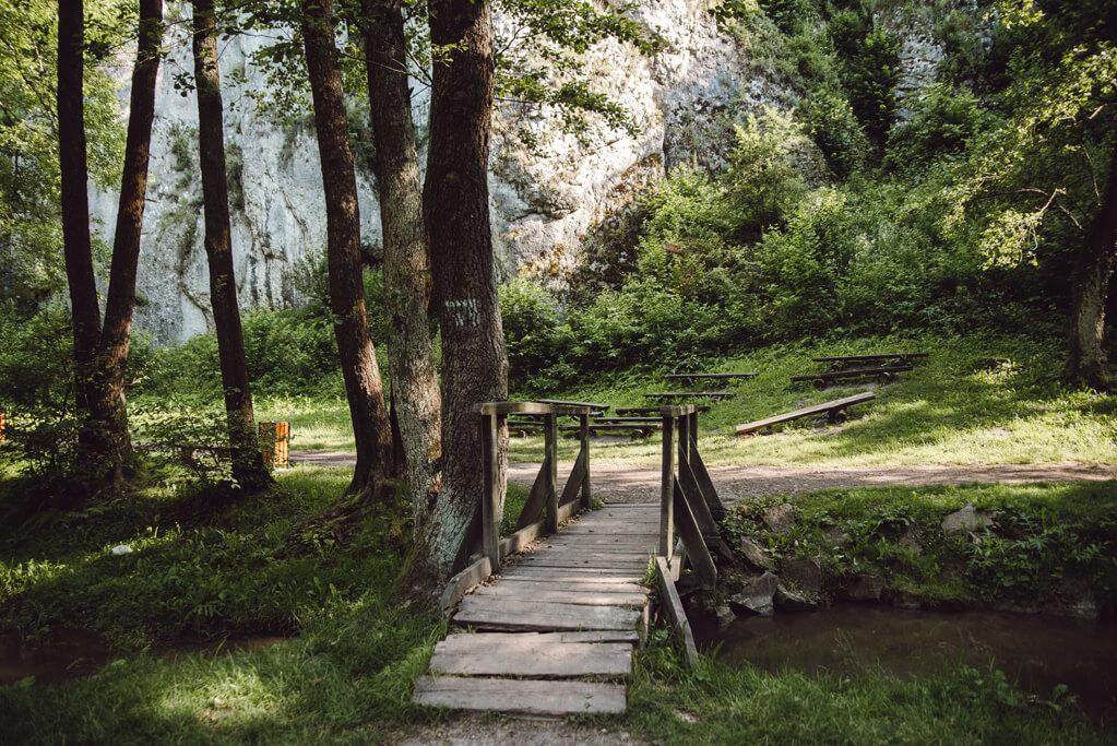 Most nad potokiem Sanka