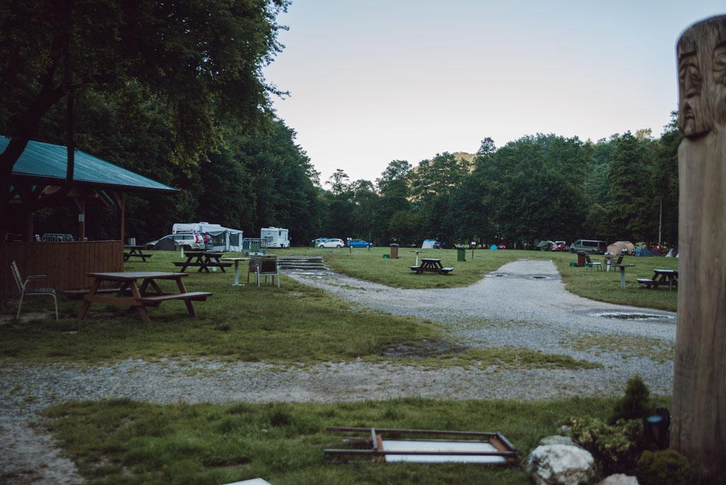 Pole namiotowe przy Brandysówce w Dolinie Będkowskiej