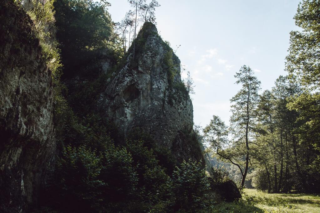 Skały wspinaczkowe w Dolinie Mnikowskiej