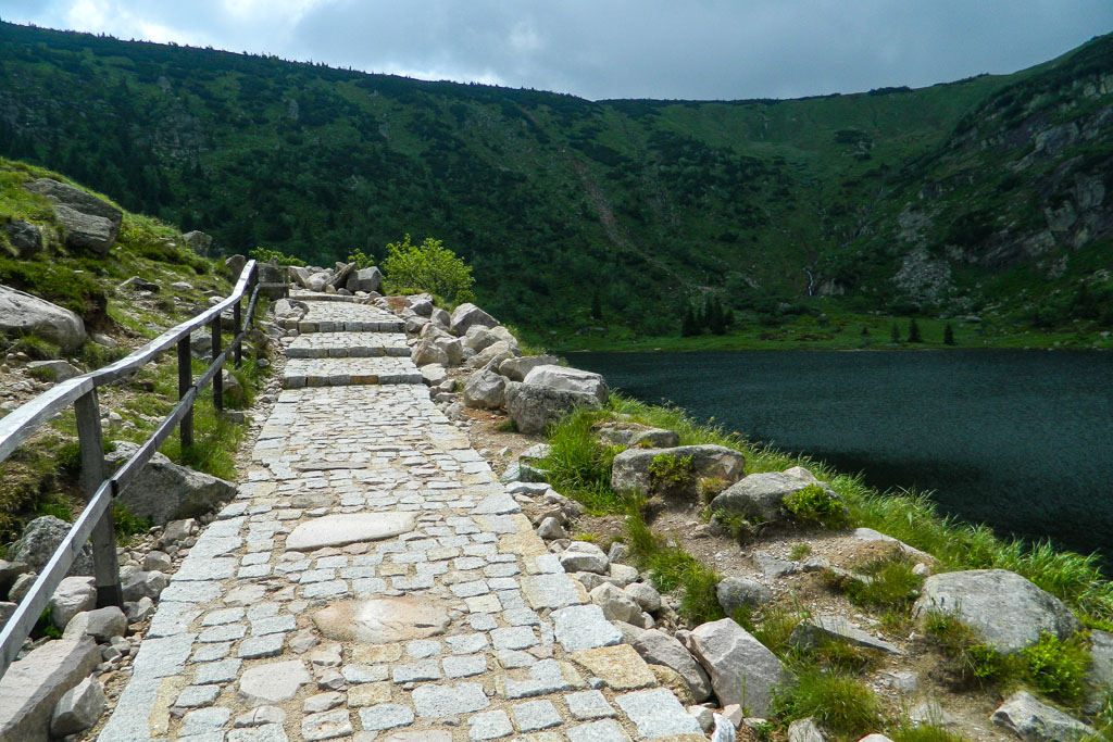 Szlak do Schroniska Samotnia w Karkonoszach