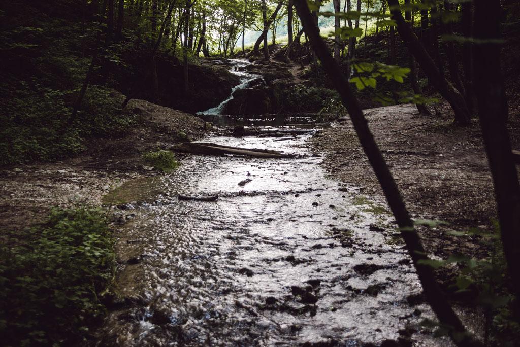 Wodospad Szum znajduje się niedaleko Krakowa