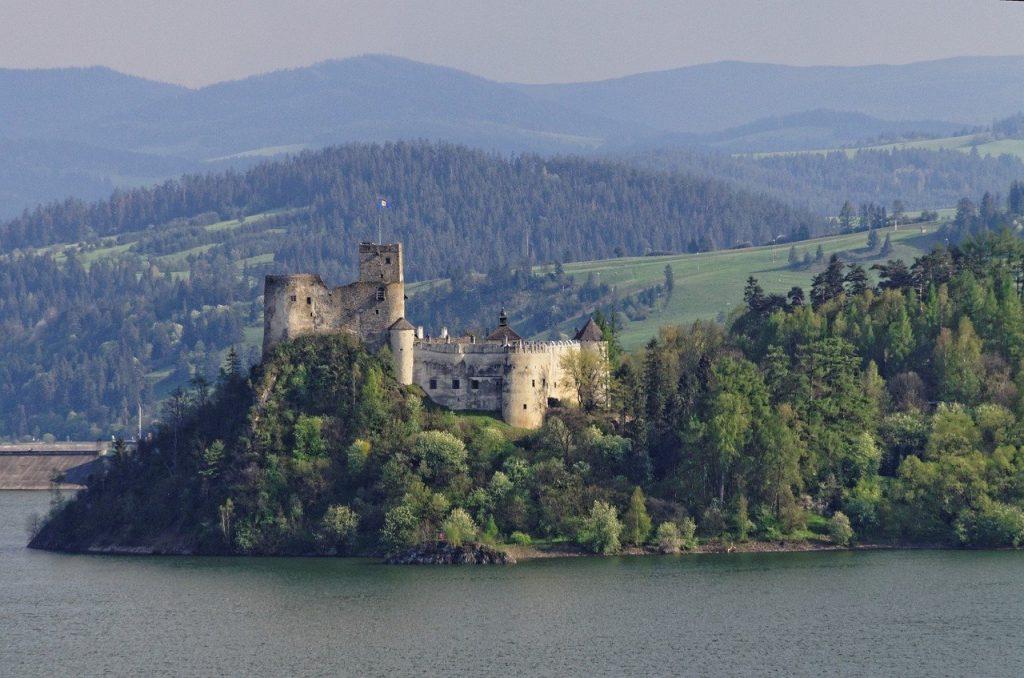 Zamki na Jeziorze Czorsztyńskim