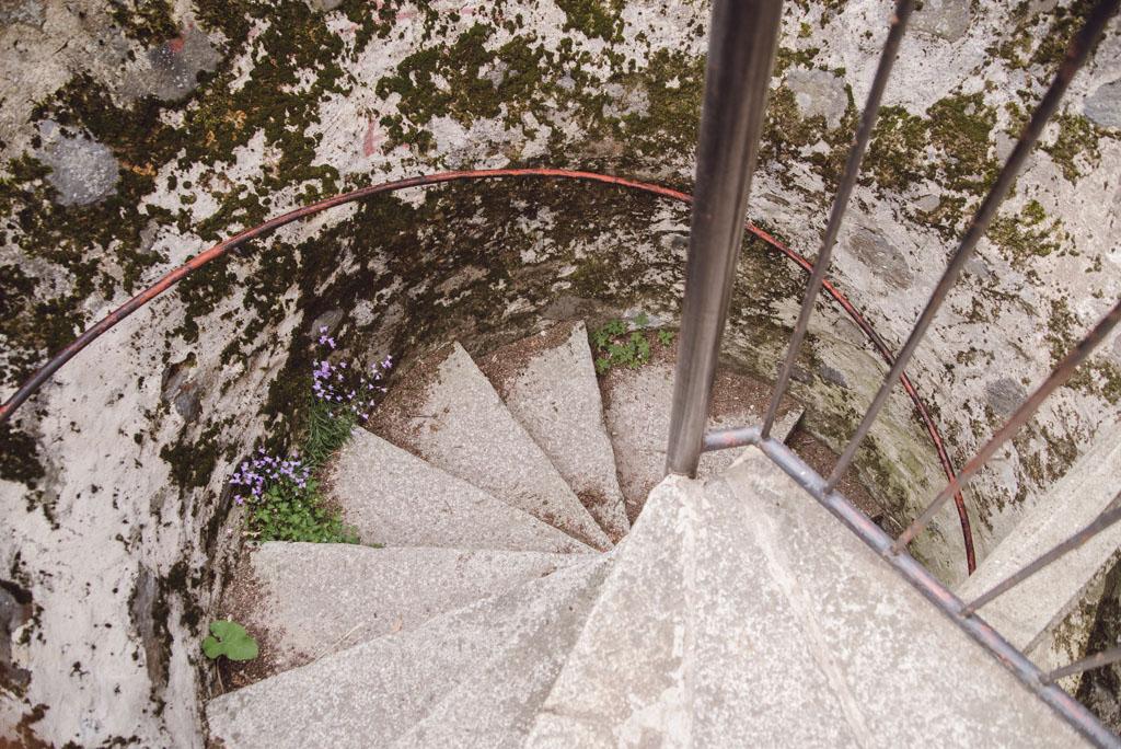 Schody na wieżę widokową na Bazaltowej Górze