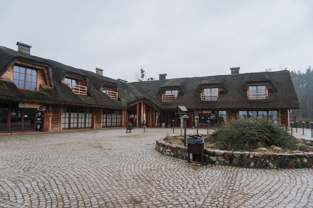 Budynek restauracji w grodzisku Owidz