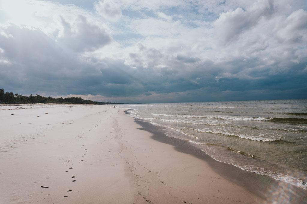 Chmury nad plażą Stilo nad Morzem Bałtyckim