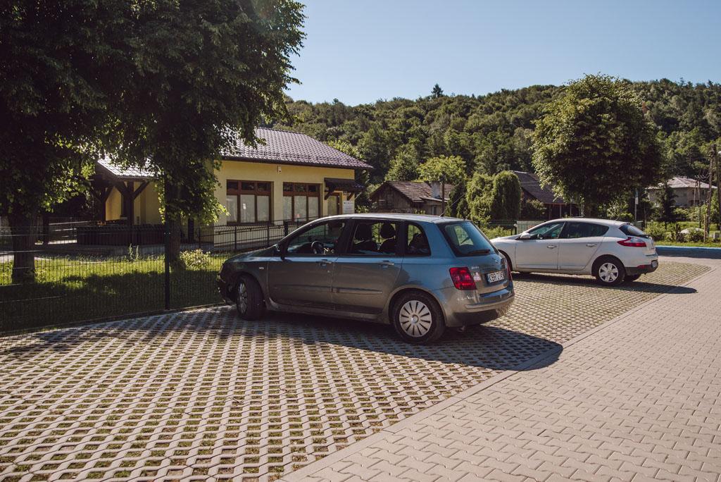 Parking przy Parku Dubie