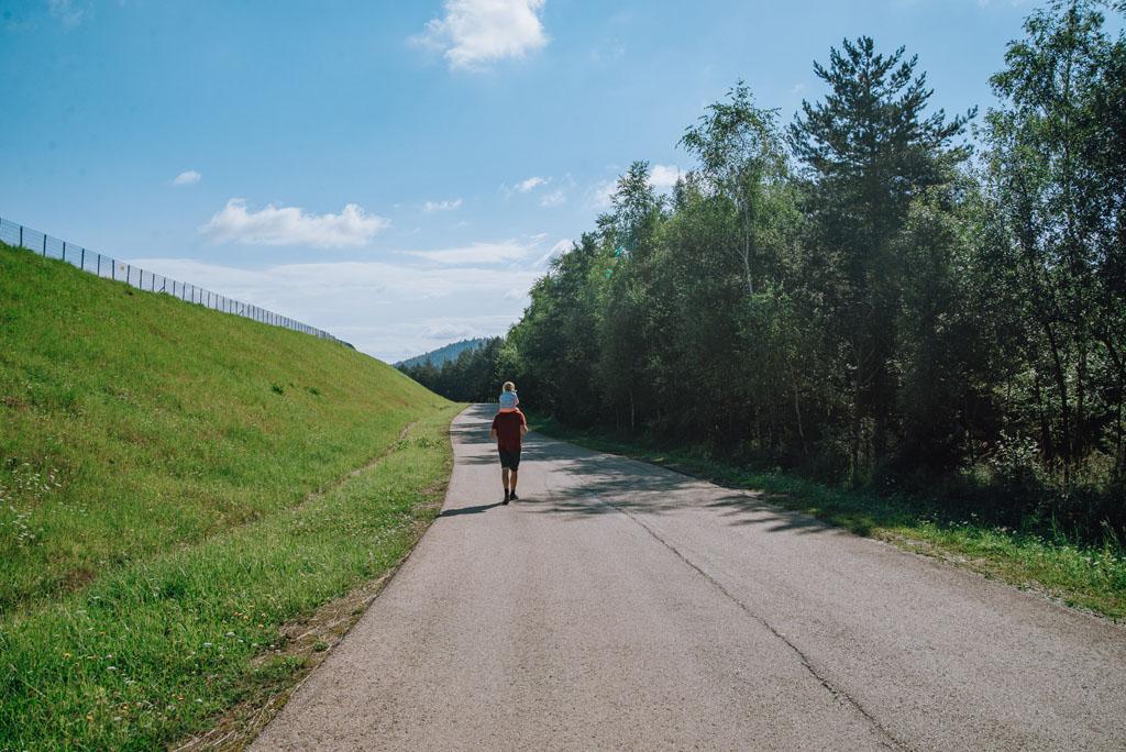 Szlak z Góry Żar na Przełęcz Isepnicką