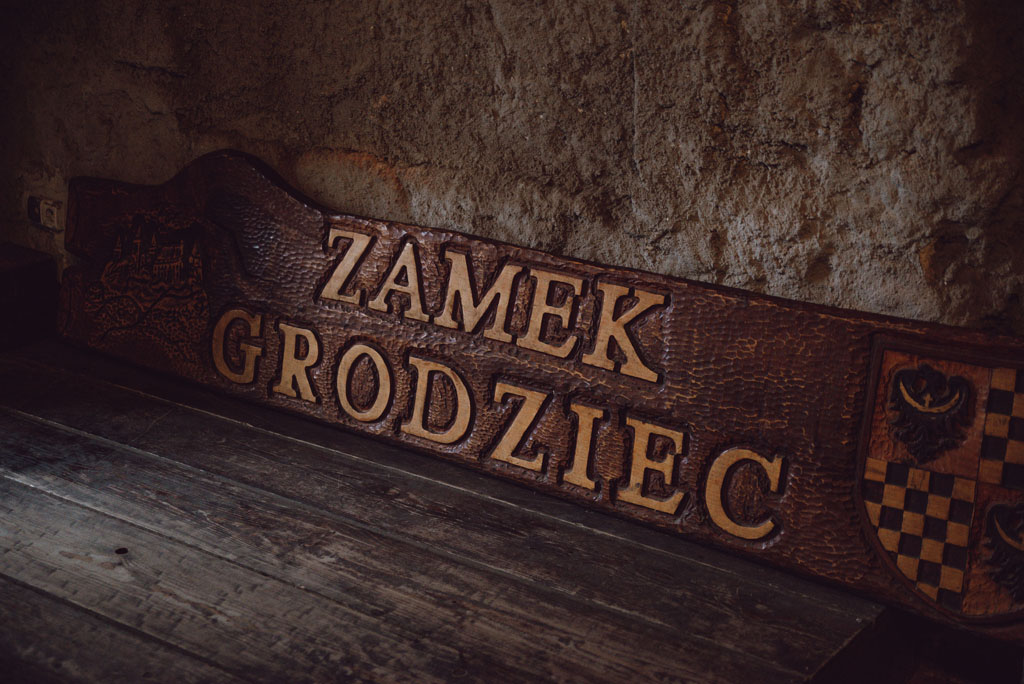 Zamek Grodziec - tablica w sali