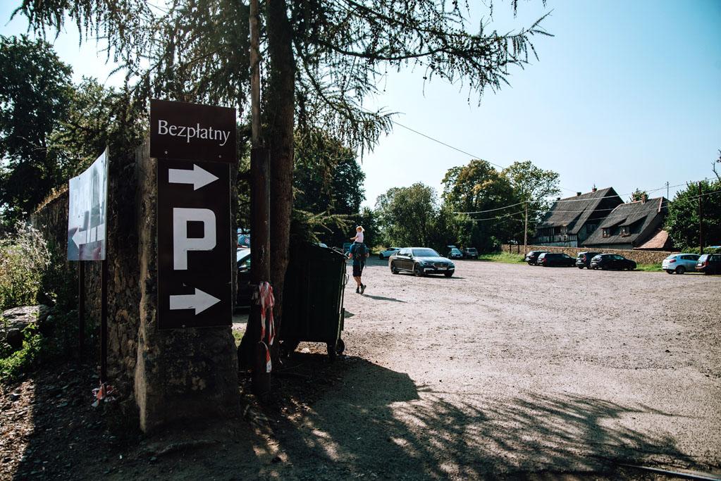 Bezpłatny parking pod Zamkiem Czocha